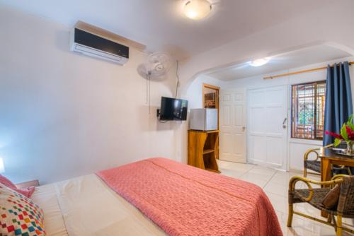 Cabinas-Yucca-Beachfront-Zimmer-Doppelzimmer-TeilMeerBlick