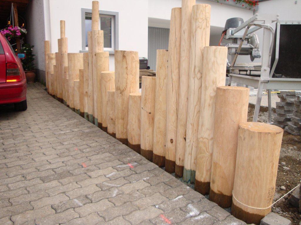 Palisaden-vertikal-Rundholz